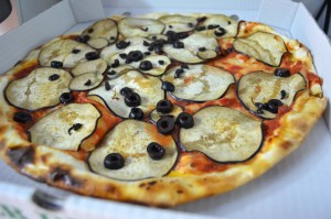 Pizza berenjenas. Grossi
