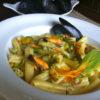 Caserecce con cozze e fiori di zucca (caserecce con mejillones y flores de calabaza)