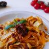 Fettuccine con salsa di pomodorini e peperoni (fettuccine con salsa de tomates cherry y pimiento choricero)