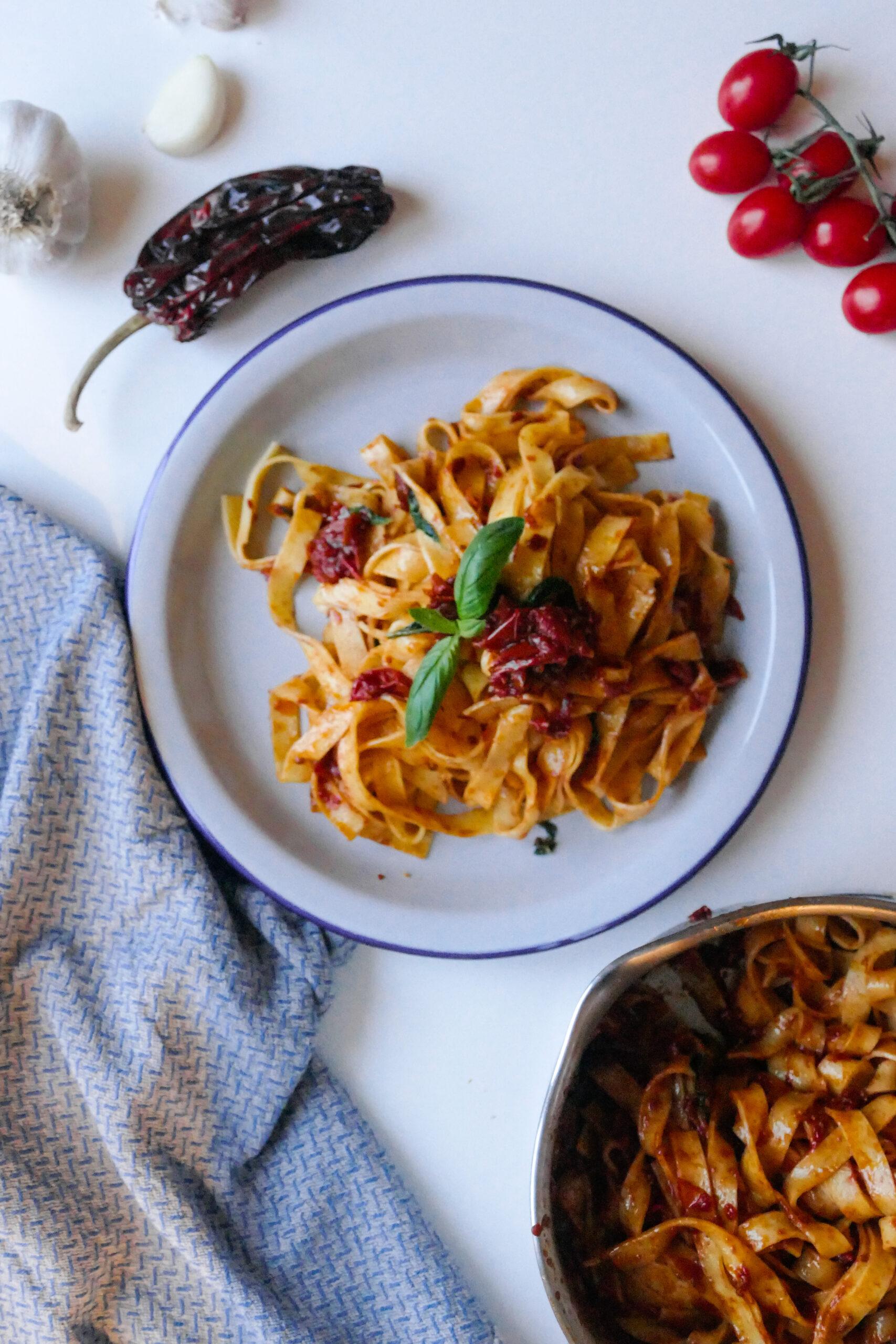 Receta fettuccine con tomatitos cherry y pimiento choricero Grossi